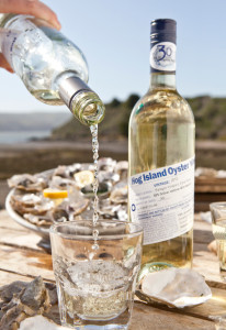 Hog Island Oyster Wine_pouring